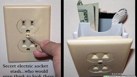 Giấu tiền trong ổ cắm điện
